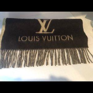 Louis Vuitton Accessories - Scarf